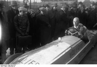 Max Valier im Raketenauto